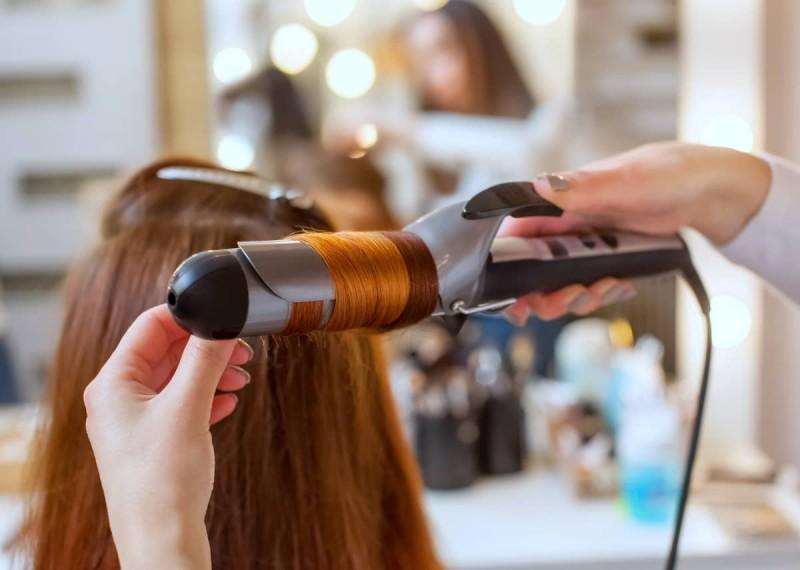 Bigstock-plancha-planchita-rulos-cabello-pelo
